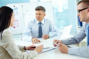 kierownictwo-mowić-o-strategii-biznesowej_1098-4025